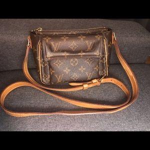 Louis Vuitton Viva Cite PM Pouchette M51165